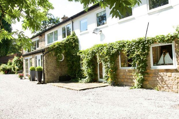 4 Bedrooms Detached House for sale in Level Lane, Buxton