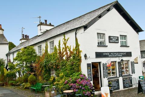 3 bedroom maisonette to rent - Alpine House, The Square, Hawkshead, Ambleside, Cumbria LA22 0NZ