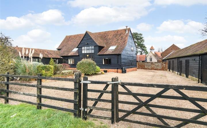 4 Bedrooms Unique Property for sale in Church Lane, Hawridge, Chesham, Buckinghamshire, HP5