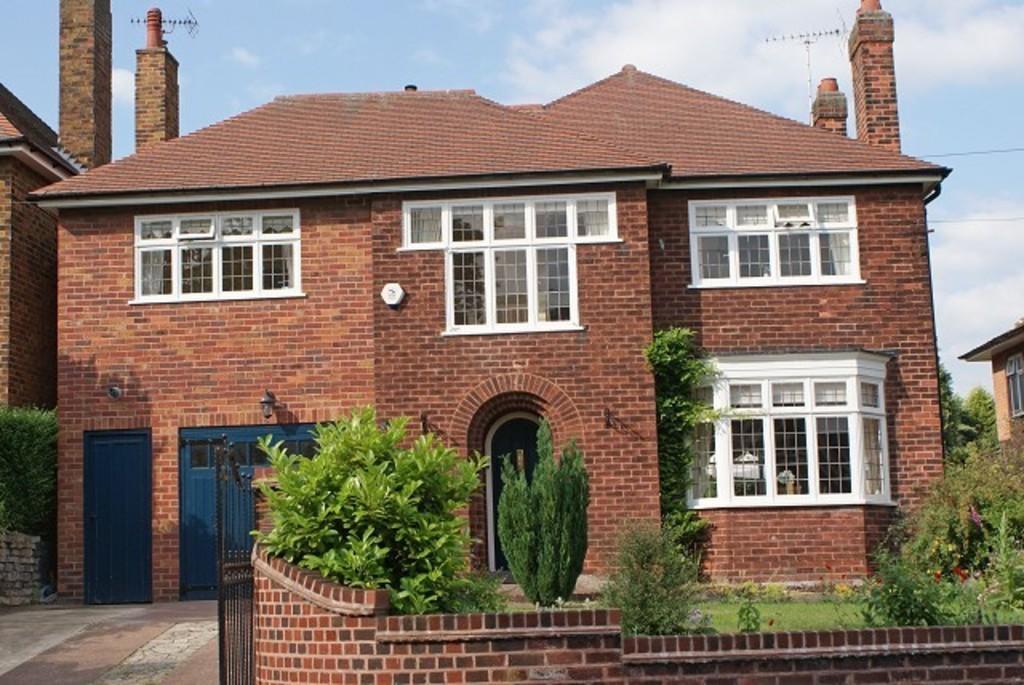 4 Bedrooms Detached House for sale in The Baulk, Worksop, S81