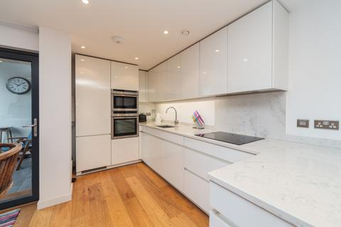 2 bedroom apartment to rent - Palmeira Plaza, Holland Road, Hove, BN3