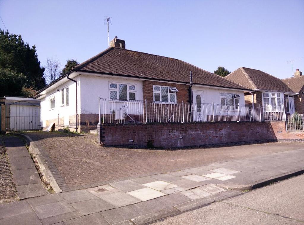 3 Bedrooms Bungalow for sale in Summerlea Road, off Uppingham Road
