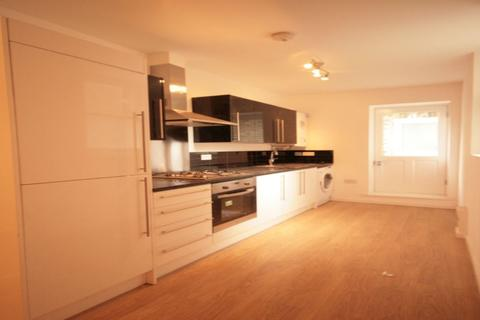 3 bedroom flat - Clifton Mansions, Brixton