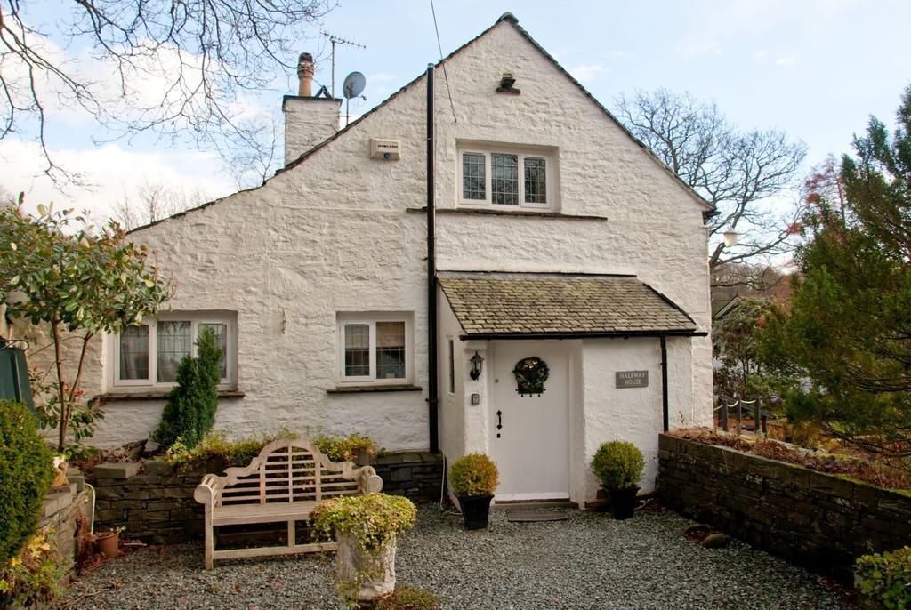 3 Bedrooms Detached House for sale in Halfway House, Clappersgate, Ambleside LA22 9NQ