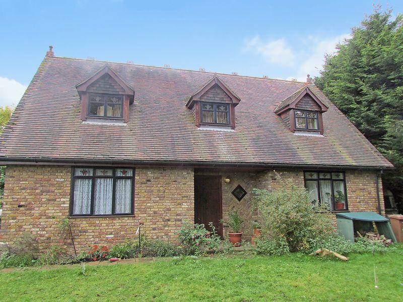 4 Bedrooms Detached House for sale in Stable Manor, Stable Lane, Bexley