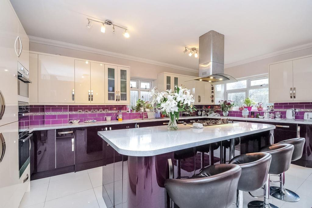 7 Bedrooms Semi Detached House for sale in Norbury Avenue, Norbury, London SW16