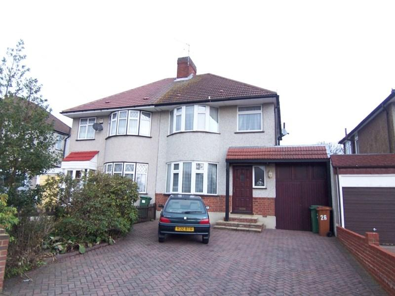 3 Bedrooms Semi Detached House for rent in Latham Road, Bexleyheath