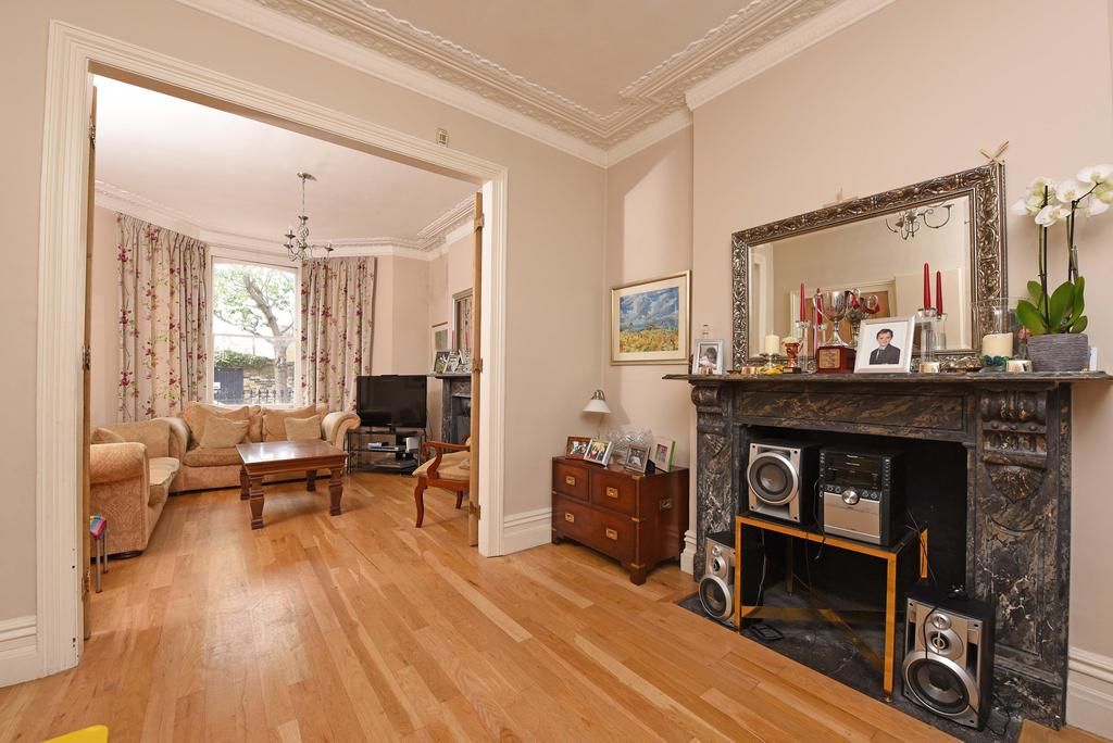 5 Bedrooms End Of Terrace House for sale in Hafer Road, SW11