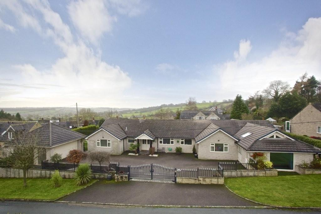 4 Bedrooms Detached Bungalow for sale in Gallows Tree Lane, Upper Mayfield
