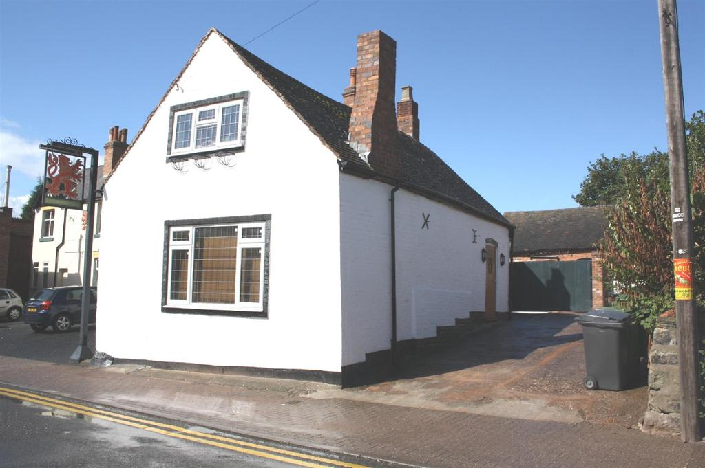 3 Bedrooms Cottage House for sale in Bridge Street, Polesworth, Tamworth