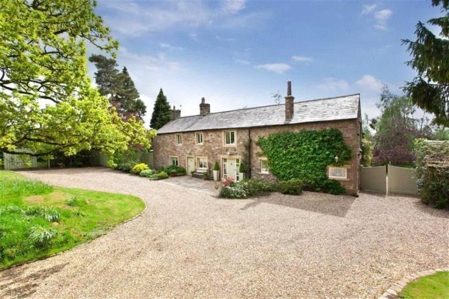 4 Bedrooms Detached House for sale in Whitewell Road, Cow Ark, Clitheroe, Lancashire, BB7