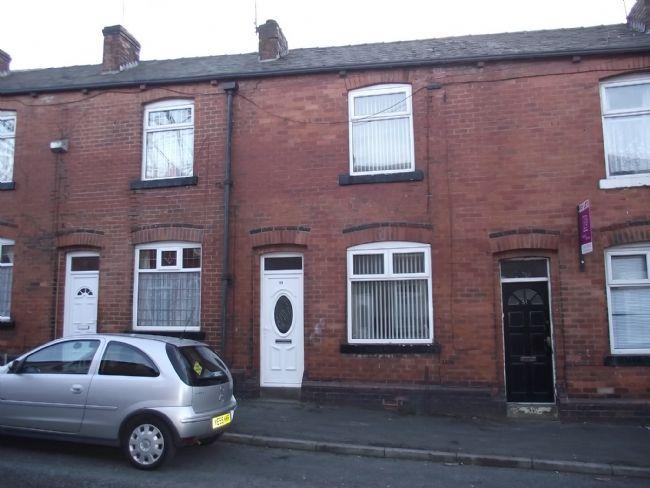 2 Bedrooms Terraced House for sale in Heath Street, Rochdale. Two bed, two rec mid terrace property, ideal for a FTB.