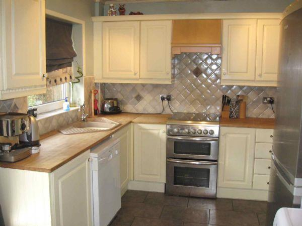 4 Bedrooms Semi Detached House for sale in Cowm Park Way South, Whitworth