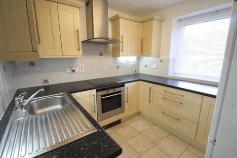 2 bedroom flat to rent - LIDGETT PARK COURT, ROUNDHAY, LS8 1ED