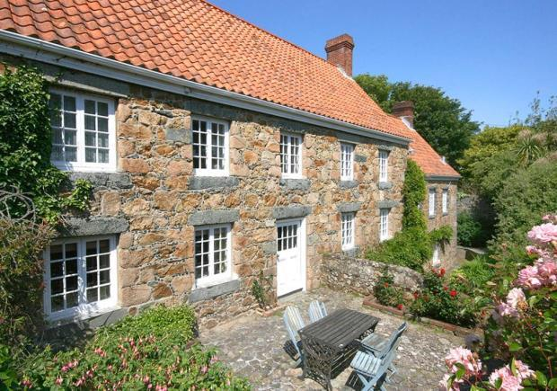 4 Bedrooms Detached House for sale in Le Varclin, St. Martin's, Guernsey