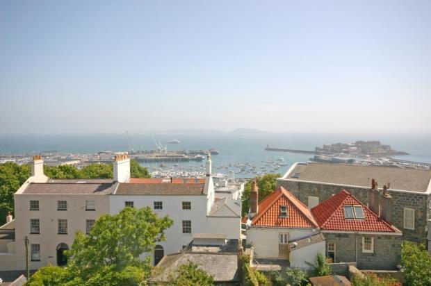1 Bedroom Apartment Flat for sale in 23 Saumarez Street, St. Peter Port