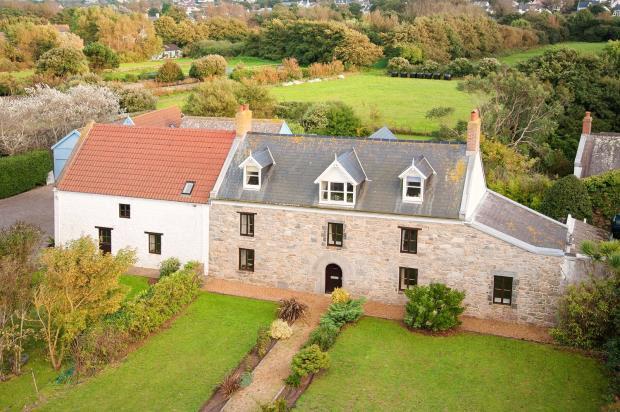 5 Bedrooms Detached House for sale in Les Mielles Road, L' Ancresse, Vale