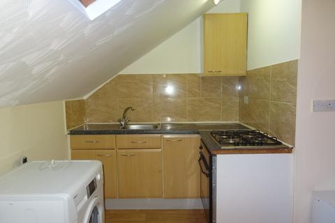 2 bedroom flat to rent - Roundhay Road - Harehills
