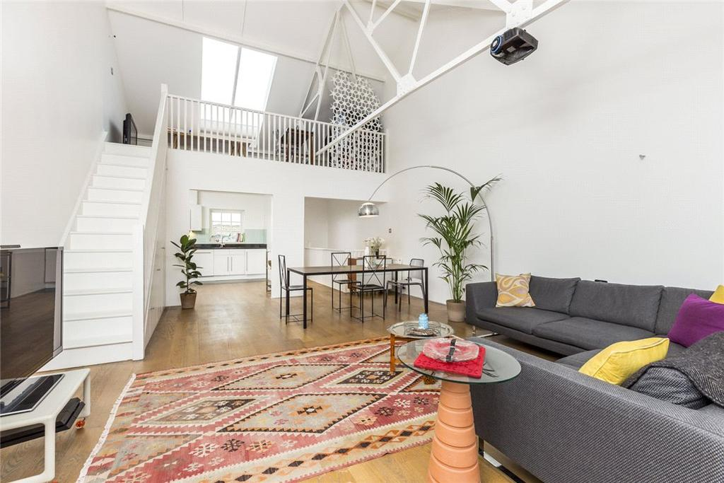 3 Bedrooms Mews House for sale in Welmar Mews, Clapham, London, SW4