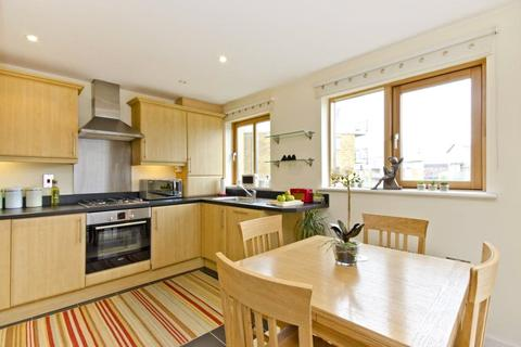 1 bedroom flat to rent - John Bell Tower East, 3 Pancras Way, London, E3