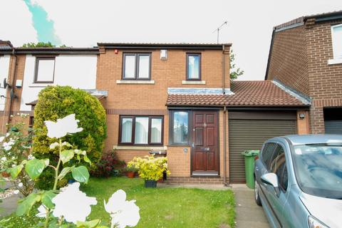 3 bedroom house for sale - The Leazes, Millfield