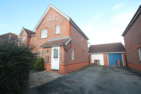 3 bedroom semi-detached house to rent - Brook End Road South, Chelmsford