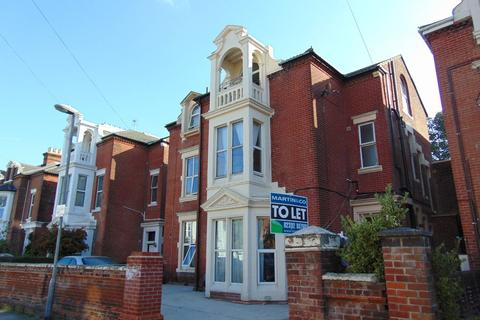 Studio to rent - St Andrews Road, Southsea