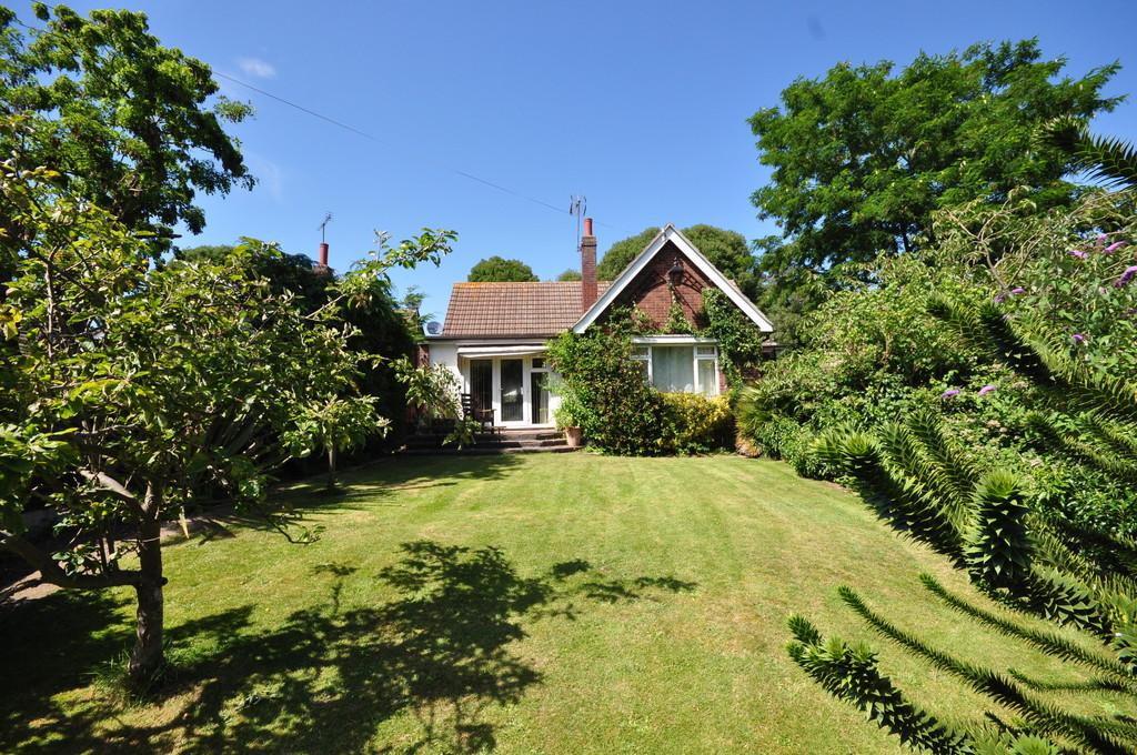 3 Bedrooms Chalet House for sale in Bourne Road, Colchester