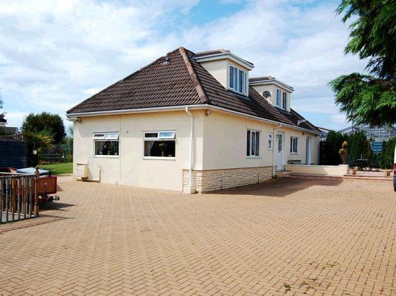 4 Bedrooms Bungalow for sale in Oatlands Road, Andreas, IM74ER