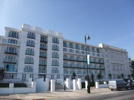 2 Bedrooms Apartment Flat for sale in Spectrum Apartments, Central Promenade, Douglas, IM2 4JL