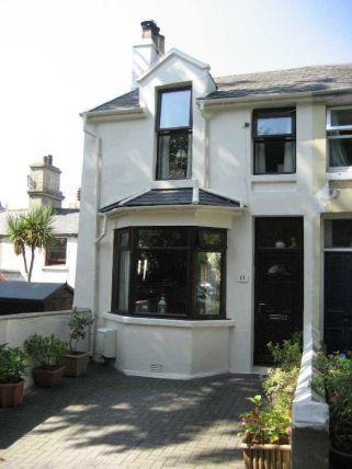 2 Bedrooms Cottage House for sale in Victoria Place, Douglas, IM2 4ET