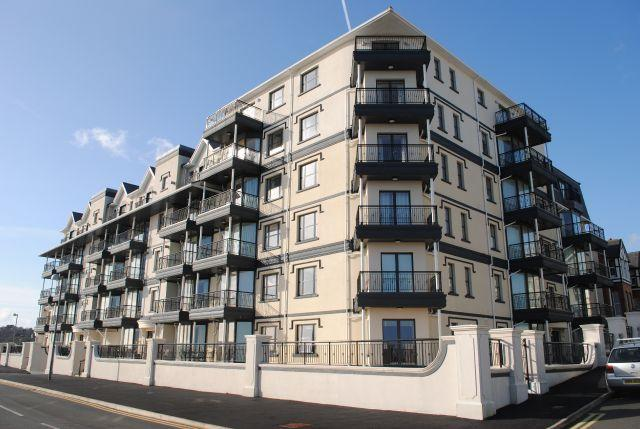 2 Bedrooms Apartment Flat for sale in Kensington Place, Imperial Terrace, Onchan, IM3 1HL