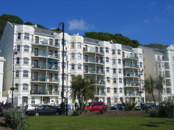 2 Bedrooms Apartment Flat for sale in Century Court, Queens Promenade, Douglas, IM2 4NT