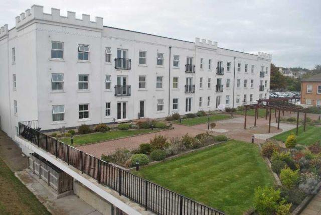 1 Bedroom Apartment Flat for sale in Imperial Court, Victoria Road, Douglas, IM2 4AA