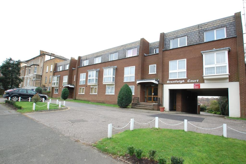 2 Bedrooms Apartment Flat for sale in Brentleigh Court, London Road, Brentwood, Essex, CM14