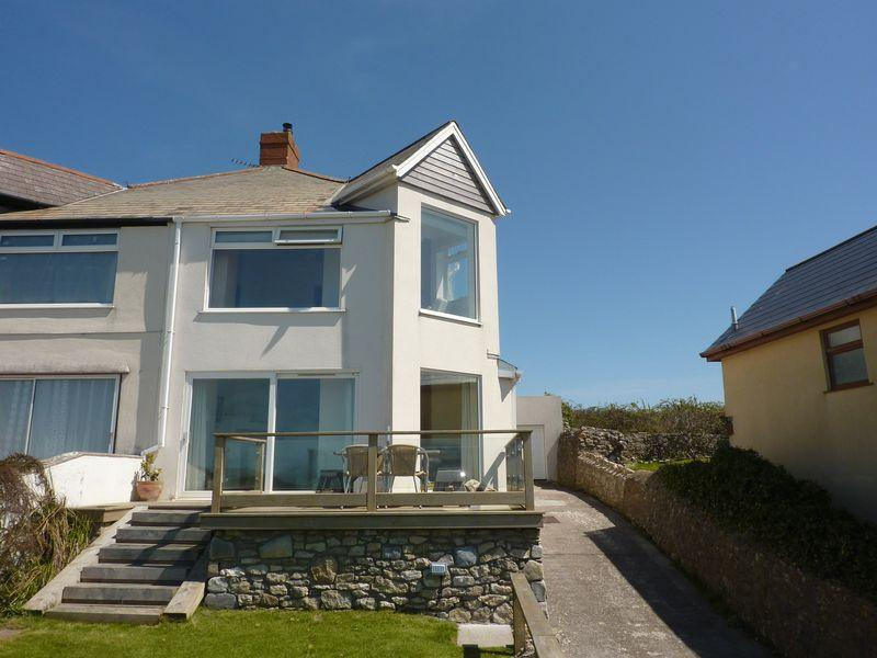 3 Bedrooms Semi Detached House for rent in Labrador Main Road Ogmore By Sea Vale of Glamorgan CF32 0PL