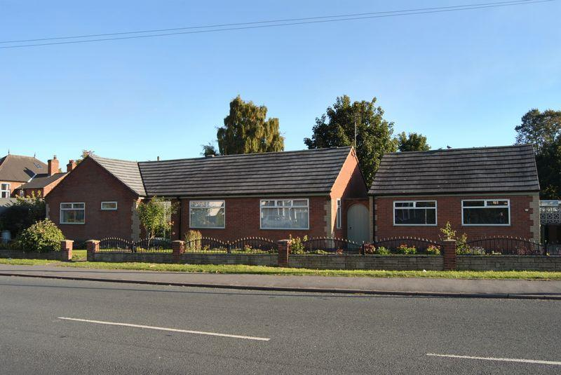 2 Bedrooms Bungalow for sale in West Common Lane, Scunthorpe