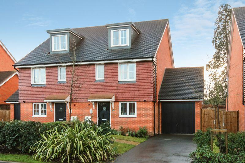 4 Bedrooms Semi Detached House for sale in ASHTEAD/LEATHERHEAD