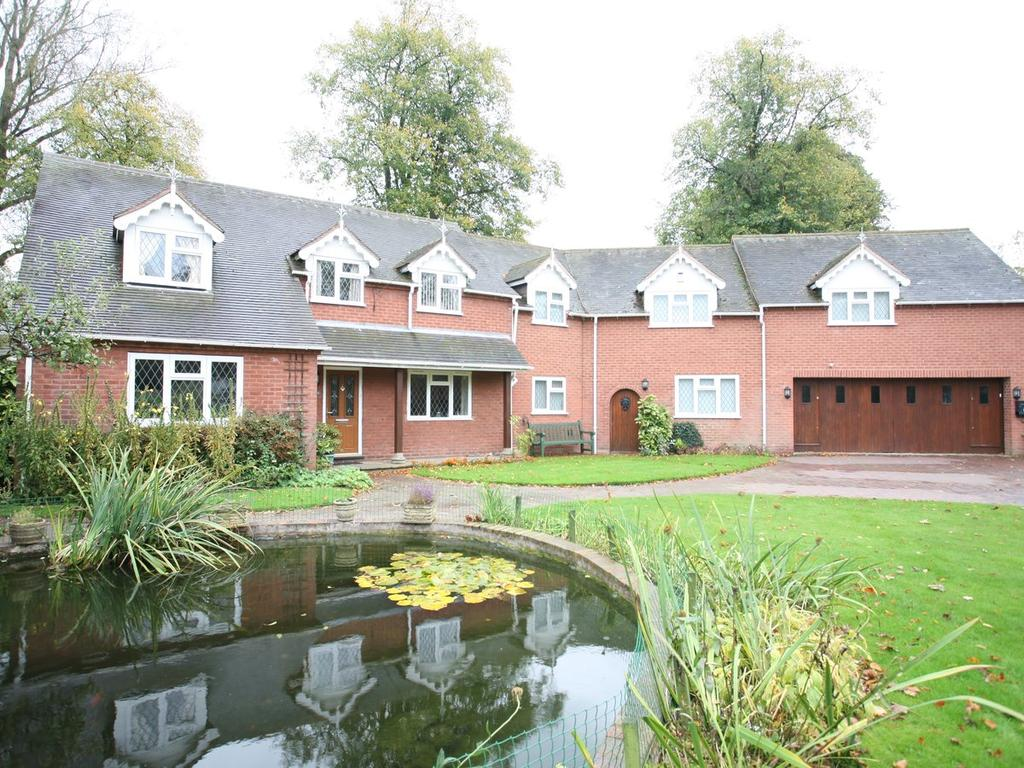 5 Bedrooms Detached House for sale in 40 Old Penkridge Road Cannock, WS11 1HX