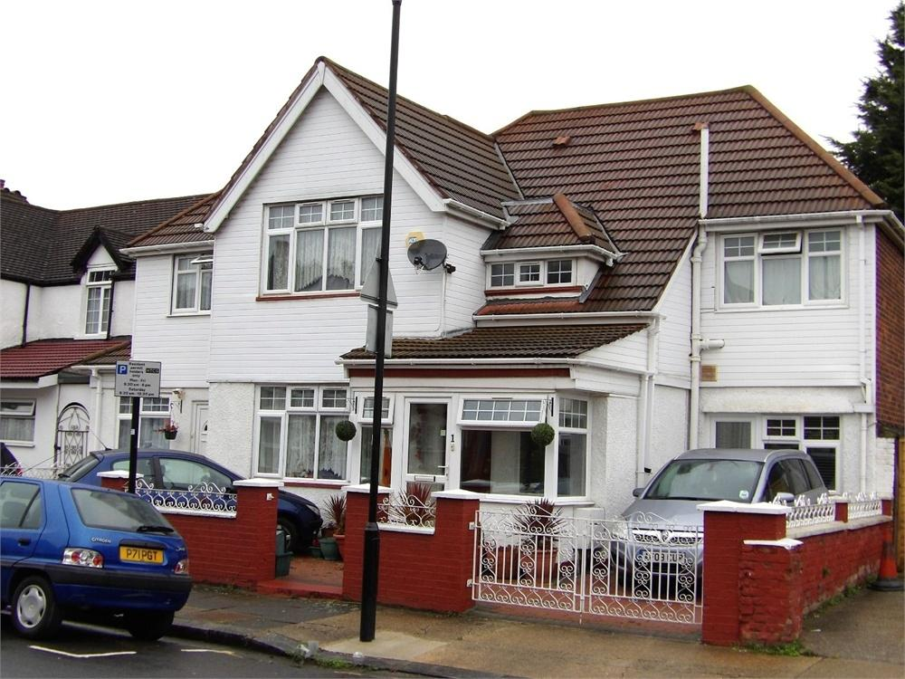 7 Bedrooms Semi Detached House for sale in Albert Road, Hounslow, Greater London