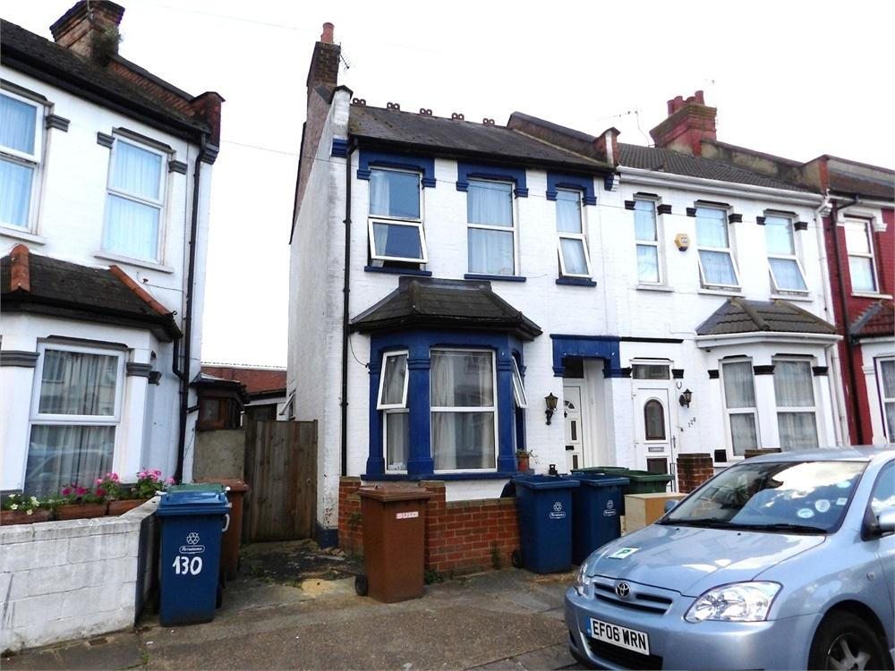 3 Bedrooms End Of Terrace House for sale in Herga Road, Harrow, Greater London
