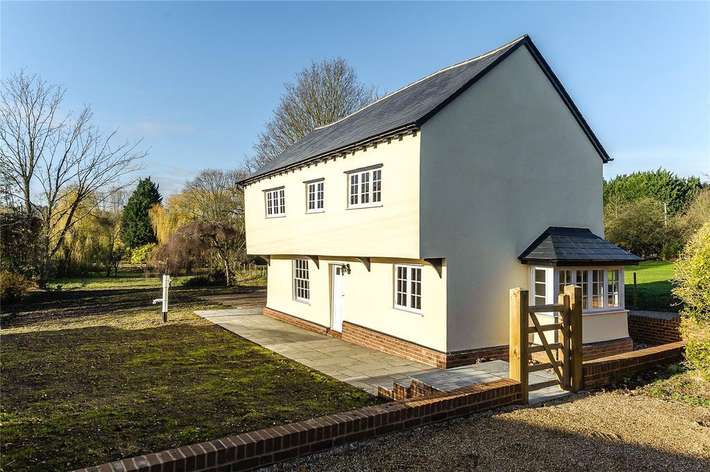 3 Bedrooms Detached House for sale in Hallingbury Road, Bishop's Stortford, Hertfordshire, CM22