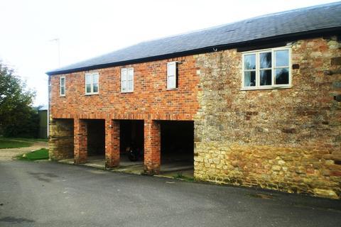Studio to rent - Flat 3, Field Burcote Farm