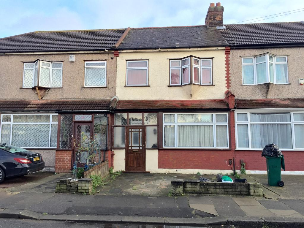 3 Bedrooms Terraced House for sale in Littlemore Road, ilford, Essex IG1