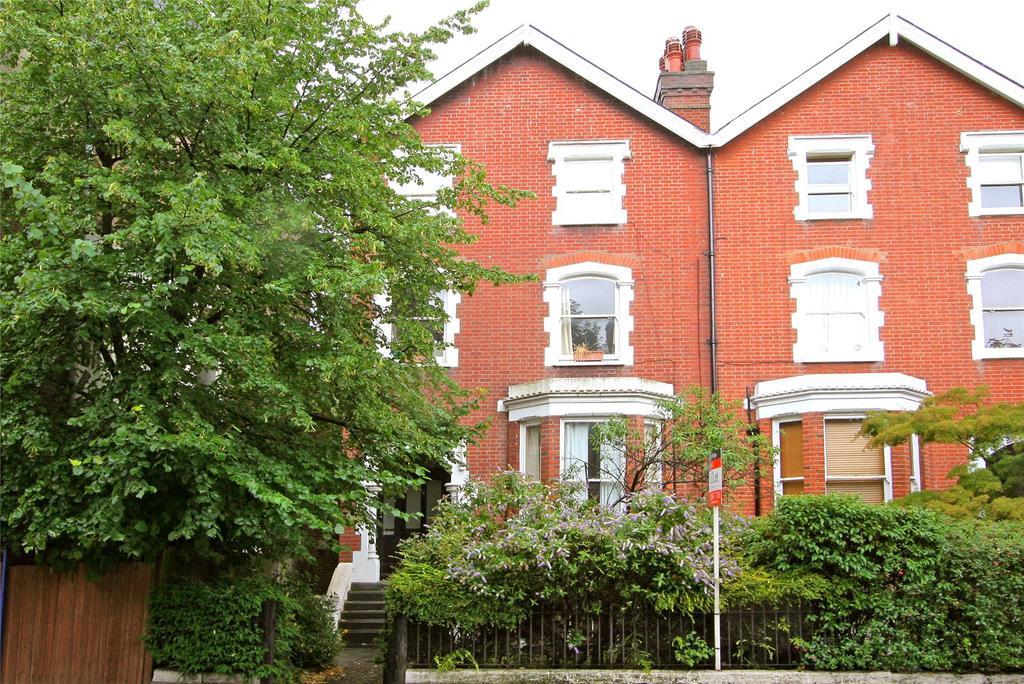 1 Bedroom Flat for sale in Ridgway, Wimbledon, London, SW19