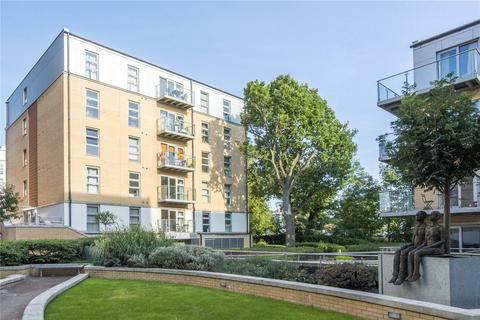 2 bedroom flat to rent - Grove House, Queen Mary Avenue, London, E18