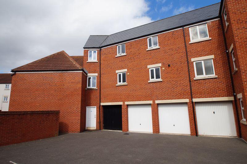 2 Bedrooms Apartment Flat for sale in Tesla Place, Highbridge