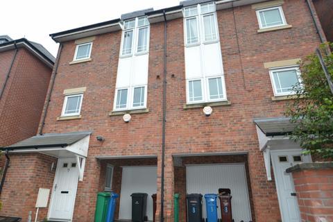 3 bedroom terraced house to rent - Mackworth Street Hulme. Manchester. M15 5LP
