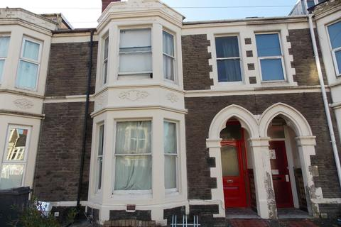 7 bedroom house to rent - 7 Colum Road