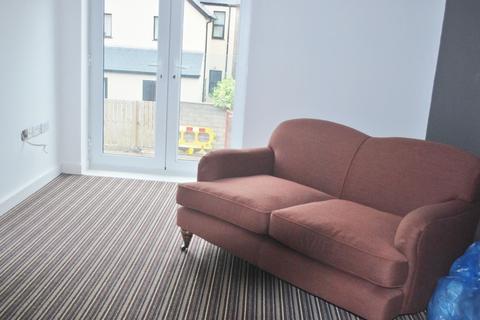 2 bedroom flat to rent - Flat 9, Apartment Block A